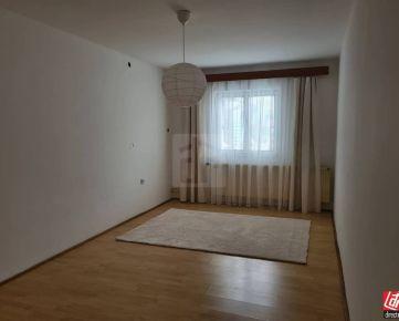 Direct Real - Rodinný dom s pozemkom 850 m2 v širšom centre Trenčína