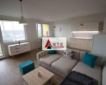 """""""REZERVOVANÉ"""" KOMPLETNE REKONŠTRUOVANÝ, 3 izb., tzv. PRAŽSKÝ typ bytu, Lomonosovova ul., OV, LO, 74 m2, 6.p., Pekný výhľad ...AJ VÝMENA"""