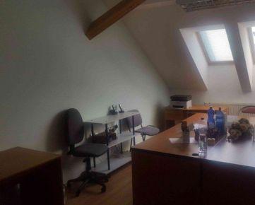 Ponúkame na prenájom kanceláriu 24 m2.