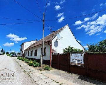 NA PREDAJ 5 izb. rodinný dom s pekným veľkým pozemkom 1245m2 v príjemnej obci Smolinské, okr. Senica