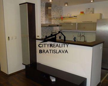 Prenájom 3izb. bytu v Šamoríne na Školskej ulici. Bývajte ihneď!