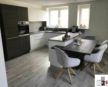 Predáme tehlový 2 - izbový byt v Bytči, 61 m², R2 SK.