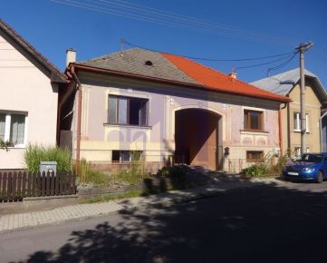 PREDAJ, rodinný dom v Selciach, pozemok 374 m2