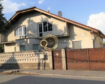 Rozľahlý RD Bratislava Podunajské Biskupice s veľkým pozemkom