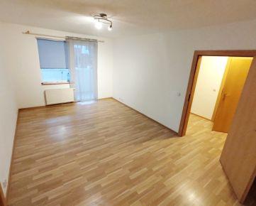 Na predaj, 2 izbový byt s balkónom, sidl. Sekčov