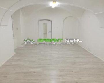 GARANT REAL - prenájom obchodný / kancelársky priestor, 33 m2, Hlavná ulica, Prešov