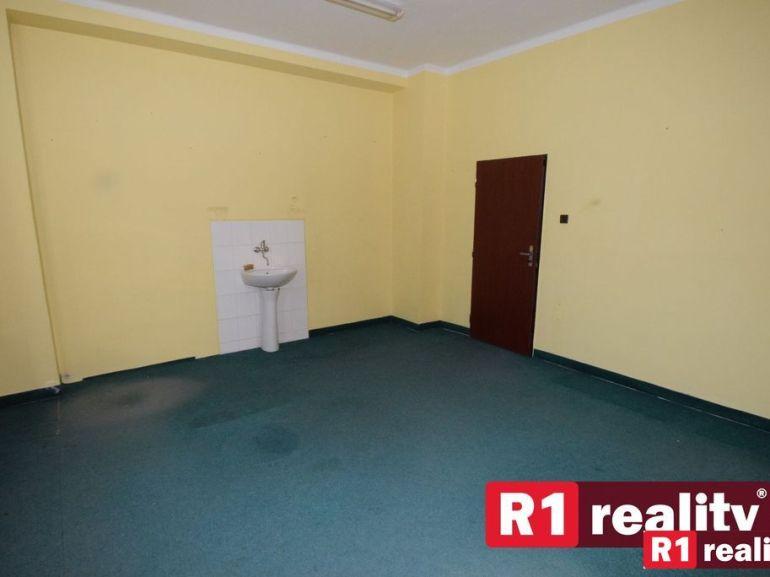 Kancelárie, administratívne priestory 22m2, čiastočná rekonštrukcia