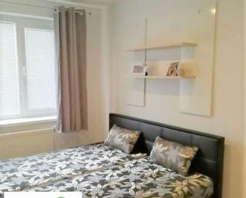 TRNAVA REALITY - 2 izb. byt po komplet. rekonštrukcii pivnicou, garážou a záhradou Trnava - Tulipán