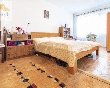 DOM-REALÍT a 2 izbový byt na predaj, Šamorín, Školská ulica