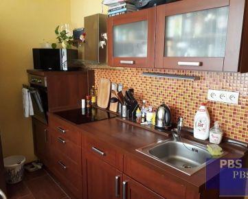 --PBS-- +KOMPLETNE prerobený 3.-izbovy byt s LODŽIOU o výmere 72 m2, ulica Gen. Goliána+