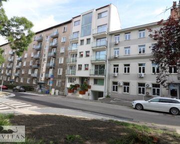 Kompletne zariadený 2- izb. byt, Paláriková ulica, Staré Mesto