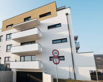 REMAX ponúka na prenájom moderný 3-izbový byt v novostavbe s garážou na Tramínovej ulici v Trenčíne