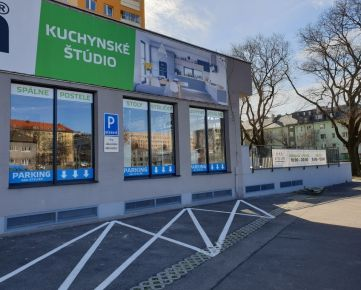 PRENÁJOM - obchodné priestory s výkladovými oknami do ulice, Kukučínova