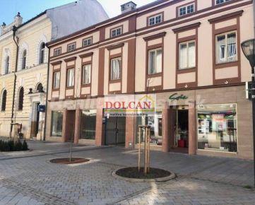 NA PREDAJ historická budova s veľkým pozemkom, Nitra, pešia zóna