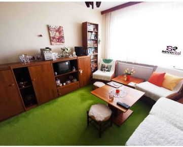 **NEVÁHAJTE** 1,5 izbový byt B.Bytrica, SÁSOVA, 40 m2 + LOGGIA