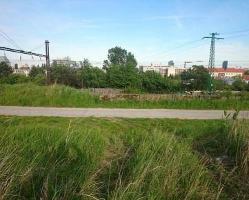 POZEMOK BÝVALÝ VINOHRAD AKO INVESTÍCIA 2.000 m2 A VIAC