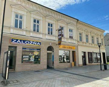 Polyfunkčná budova priamo v strede pešej zóny, Nitra