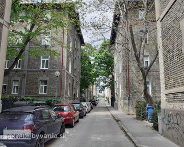 PALÁRIKOVA, 5-i byt, 124 m2 - HISTORICKÝ, vysoké stropy, MEZONET, tehla, rekonštrukcia
