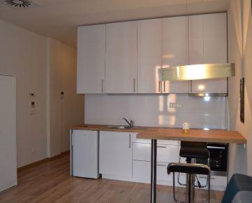 Na predaj slnečný zariadený 1-izb.byt  v centre mesta na Bezručovej ul./NOVOSTAVBA/