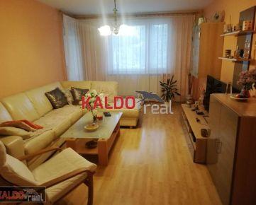 Trnava - Pekný 4-izbový byt s loggiou vo výbornej lokalite !!!