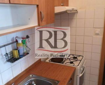 Na prenájom 2 izbový byt na Píniovej ulici vo Vrakuni