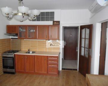 PREDAJ pekného1 izb. bytu v Ružinove,Muškátová ul.,5./5 posch.,35 m2, kompletná rekonštrukcia,klimatizácia.