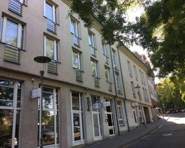 Priestranný byt pod Bratislavským Hradom