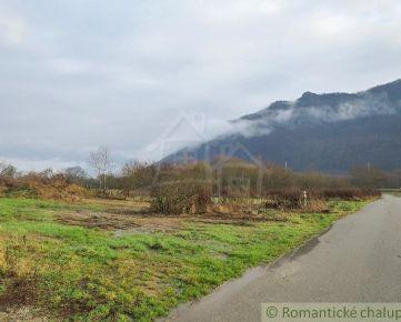 Stavebný pozemok na peknom mieste v obci Brzotín