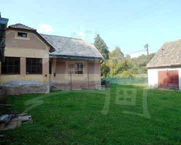 Domček s veľkým pozemkom na kraji dediny. Znížená cena!!!