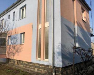 Predaj dvojpodlažný rodinný dom na 8 á pozemku, Prešov