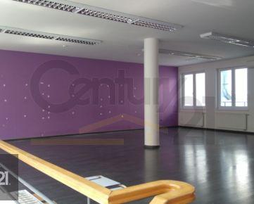 Prenájom priestory v centre Nitry 160 m2 pešia zóna Štefánikova trieda