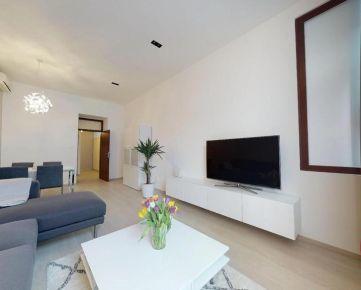 3D PREHLIADKA CELÉHO BYTU -  štýlový 2izbový apartmán (až 80 m2) na pešej zóne