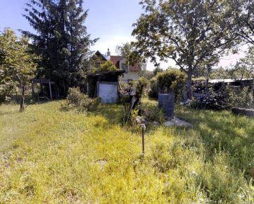 Pozemok Na Vrátkach, Dúbravka