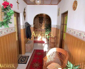EXKLUZÍVNE/ Dvojpodlažný rodinný dom, Kežmarok, širšie centrum