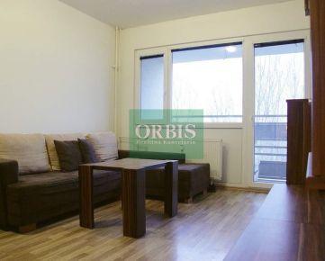 Vlčie hrdlo - na prenájom 2 izbový byt o výmere 42m2 + loggia 4m2, na 5/8 poschodí v zateplenom panelovom dome s novými výťahmi
