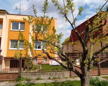 Direct Real - 5-izbový 2-podlažný rodinný dom s garážou na pozemku 389 m2 v tichej časti mesta Sereď