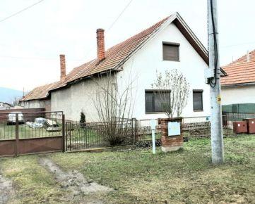 Na predaj rodinný domček v dobrej lokalite, Kozárovce, 712m2. CENA: 32 500,00 EUR