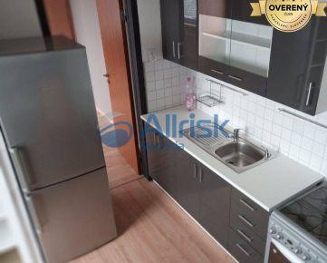 VÝBORNÁ PONUKA- Priestranný, zrekonštruovaný 3 izbový byt - Mamateyova