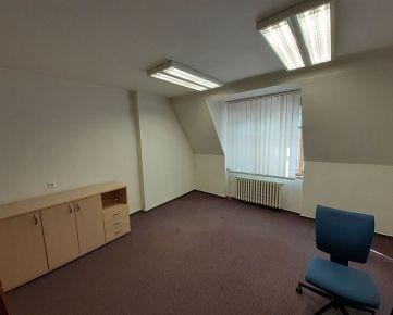CENTRUM - Prenájom kancel. priestorov 71 m2  na Hurbanovej ul.