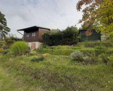 REZERVOVANÉ Záhrada s chatkou o výmere 590 m2 Trenčín-Juh