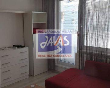 Prenájom Nitra Čermáň 1 izbový byt prerobený  zariadený