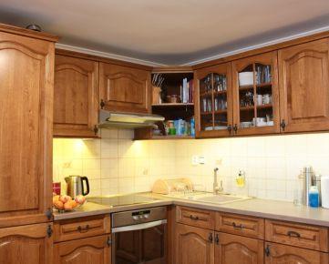 Predaj viac generačný rodinný dom Podunajské Biskupice