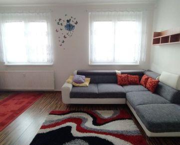 Prenájom veľkého 2 izbového bytu s balkónom, Ďumbierska, čiastočne zariadený, ihneď voľný