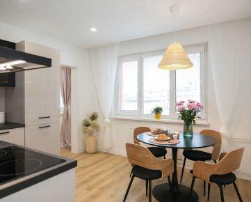 Slnečný 2 izbový byt v centre mesta na predaj - príležitosť na bývanie ktorá sa neodmieta