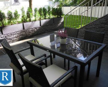 IMPREAL »»» Staré Mesto »» Originálny, priestranný 2-izbový byt s terasou » kompletne a kvalitne zariadený » Kozia ul. » cena 250.000,- EUR ( English text inside )
