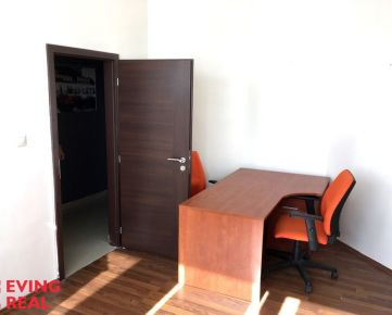 Samostatná kancelária 13,4 m2, v centre Podunajských Biskupíc