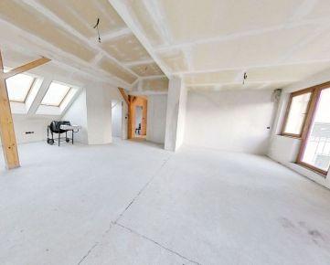 Na predaj VEĽKOMETRÁŽNY 220 m2 byt, Tabaková ulica, Staré Mesto, predpríprava na KRB, PODLAHOVÉ KÚRENIE, 4 x balkón,  2x kúpeľňa. TERASA s výhľadom na SLAVÍN.
