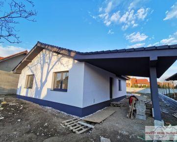 AKCIA pri kúpe rodinného domu ZDARMA kuchynská linka alebo zámková dlažba aj s montážou, 4-izbový bungalov