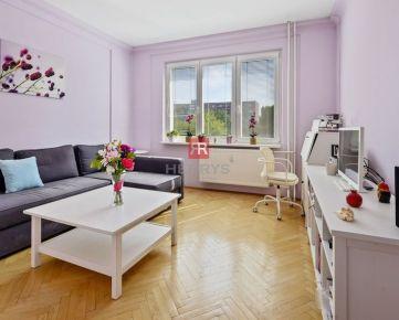 HERRYS -  Na predaj slnečný 2 izbový byt vo vynikajúcej lokalite v Ružinove