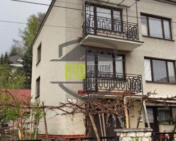 Odporúčam!! Rodinný dom v pôvodnom stave v centre Hriňovej
